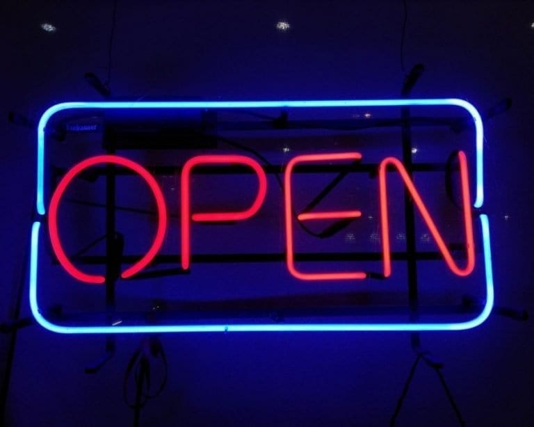 """Açık Sistemler, Blokzincir ve Hukuk Arasında Bir Köprü: """"OpenLaw"""""""